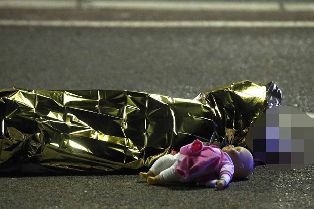 Islamic Jihad in action. Dead child with her doll - Nice, France (Twitter).