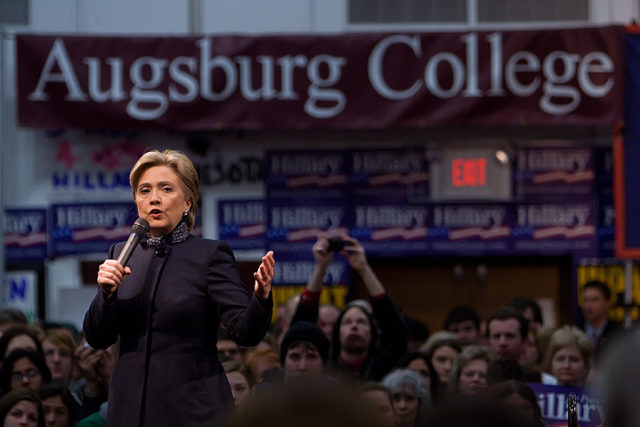 Hillary Clinton scripts press