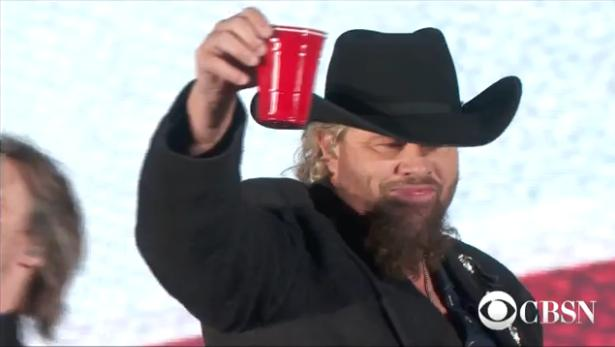 Toby Keith's version of a soft drink: Hard liquor in a plastic Solo cup. (CBS News screen grab)