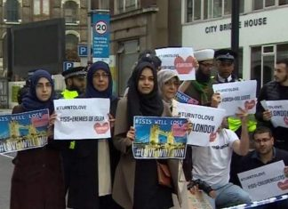 Video: CNN caught staging fake anti-ISIS protest in London