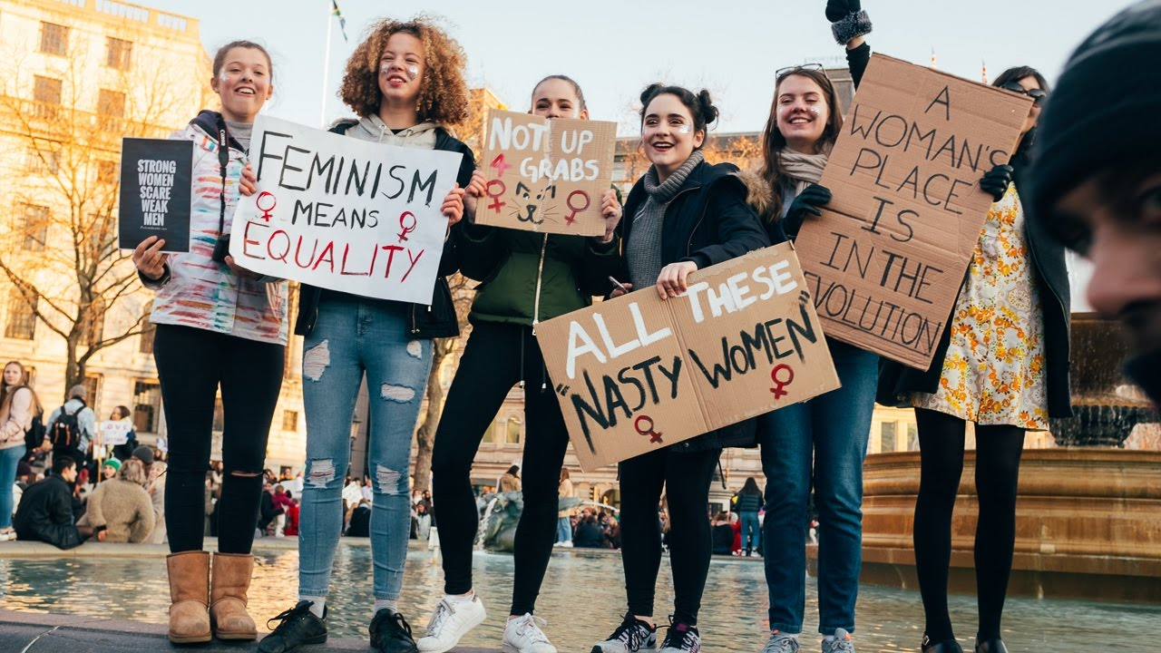 Women's March white