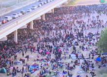 Migrants at International Bridge Double in One Day – Situation Out of Control