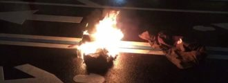 Lunatic sets himself on fire to protest Trump at Trump International Hotel
