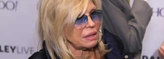 "LIES, LIES, LIES: Nancy Sinatra Sets CNN's ""FAKE NEWS"" Story Straight"