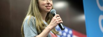 Vanity Fair: Chelsea Clinton is like eating oatmeal with toenail clippings in it