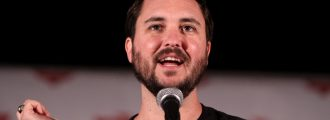 Wil Wheaton endorses Massachusetts Dem who warned of rocks hurled at earth from the moon